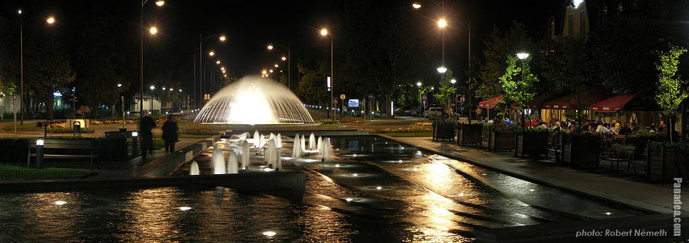 Kossuth Lajos Square, Fountains - Gyula, Hungary - Panorama photo (panoramic image)