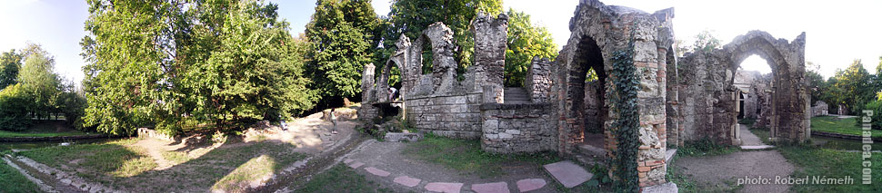 The English Park at Lake Cseke - Tata, Hungary - Panorama photo (panoramic image)